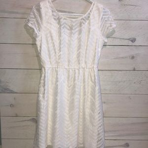Women's Sz M White Lace Boutique Style Dress